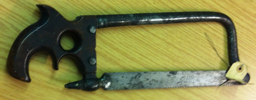 Surgical saw